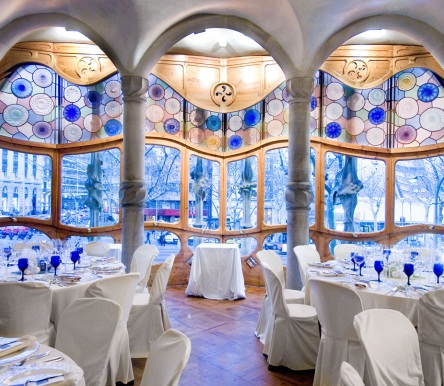 The Especially Beautiful Architecture of Antonio Gaudi's Casa Batlio