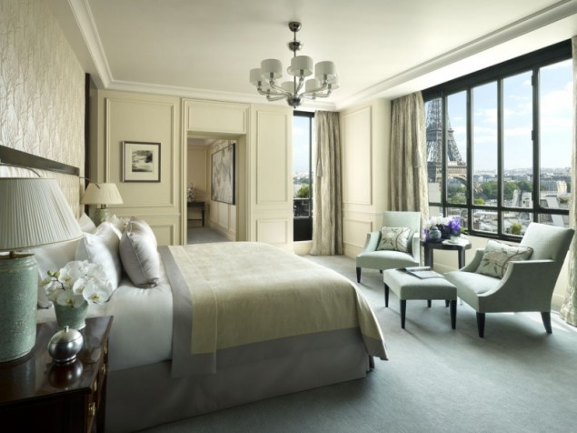 Spend the night in La Suite Chaillot and  wake up with a famous French monument