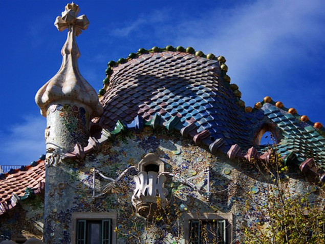Casa Batlio - Closeup at roof