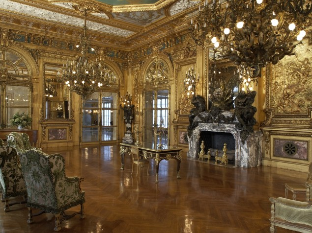 Long Foyer Age : Marble house architectural holidays