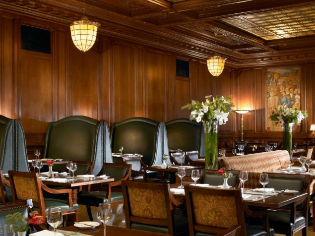 The ambiance of the Pied Piper Bar extends to its dining partner, the Pied Piper Grille