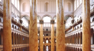 Big is beautiful in the Great Hall, whose Corinthian columns are among the tallest in the world