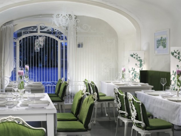 The essence of the gardens comes indoors for breakfast at Il Cancello di Ghiereto