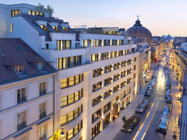 The Mandarin Oriental makes its own signature statement in Paris