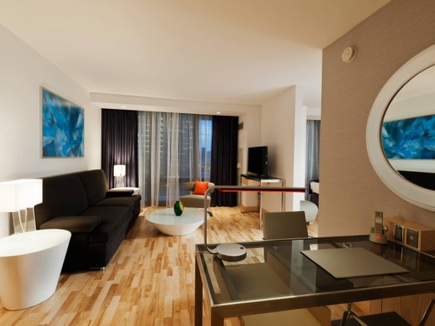 A Radisson Blu guest suite for today's design-savvy Chicago