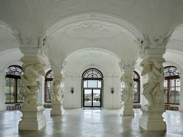A reception in the Sala Terrana at Upper Belvedere Palace needs no embellishment