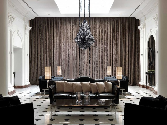 Strike a pose in the dramatic and theatrically-inspired interiors of the lounge