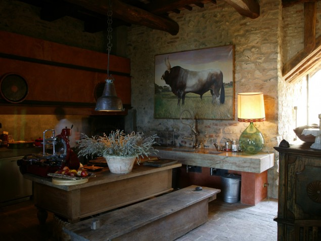 The kitchen is always open at Castello di Vicarello