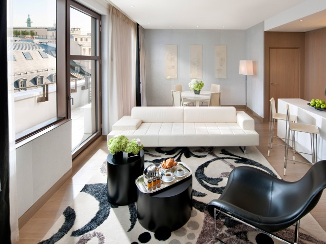 "No Paris hotel should be without a ""Couture Suite"", and Mandarin's version is a winner"