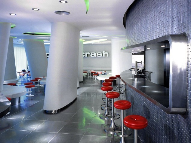The vibrant and catchy Splash and Crash Bar and its perfectly matched setting