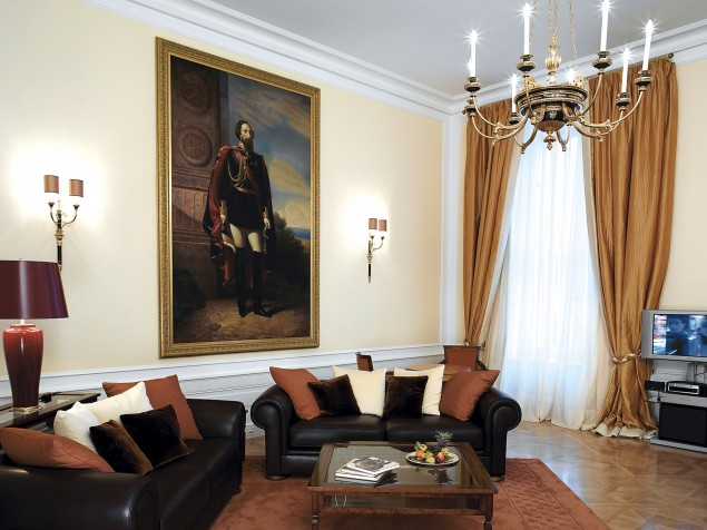 One of Palais Coburg's featured historic suites — the Palais Suite King Edward VII