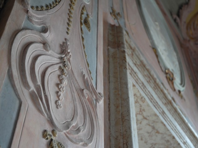 The exquisite detailing of decorative plaster at Ca Sagredo